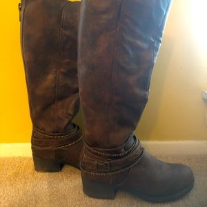 Knee high faux leather brown boots size 6